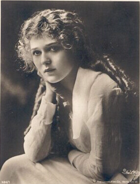 1-marypickford_publicdomain