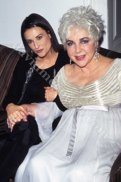 Elizabeth taylor most beautiful worst dressed woman in the world